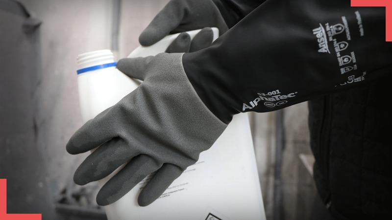 Le gant Alphatec® 53-001 d'Ansell : une conception multi-couches pour une protection chimique supérieure